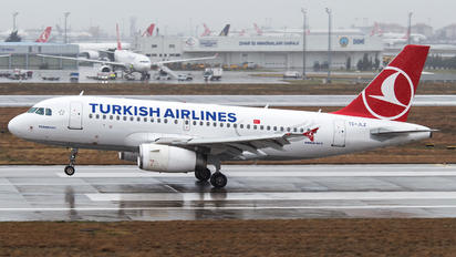 TC-JLZ - Turkish Airlines Airbus A319