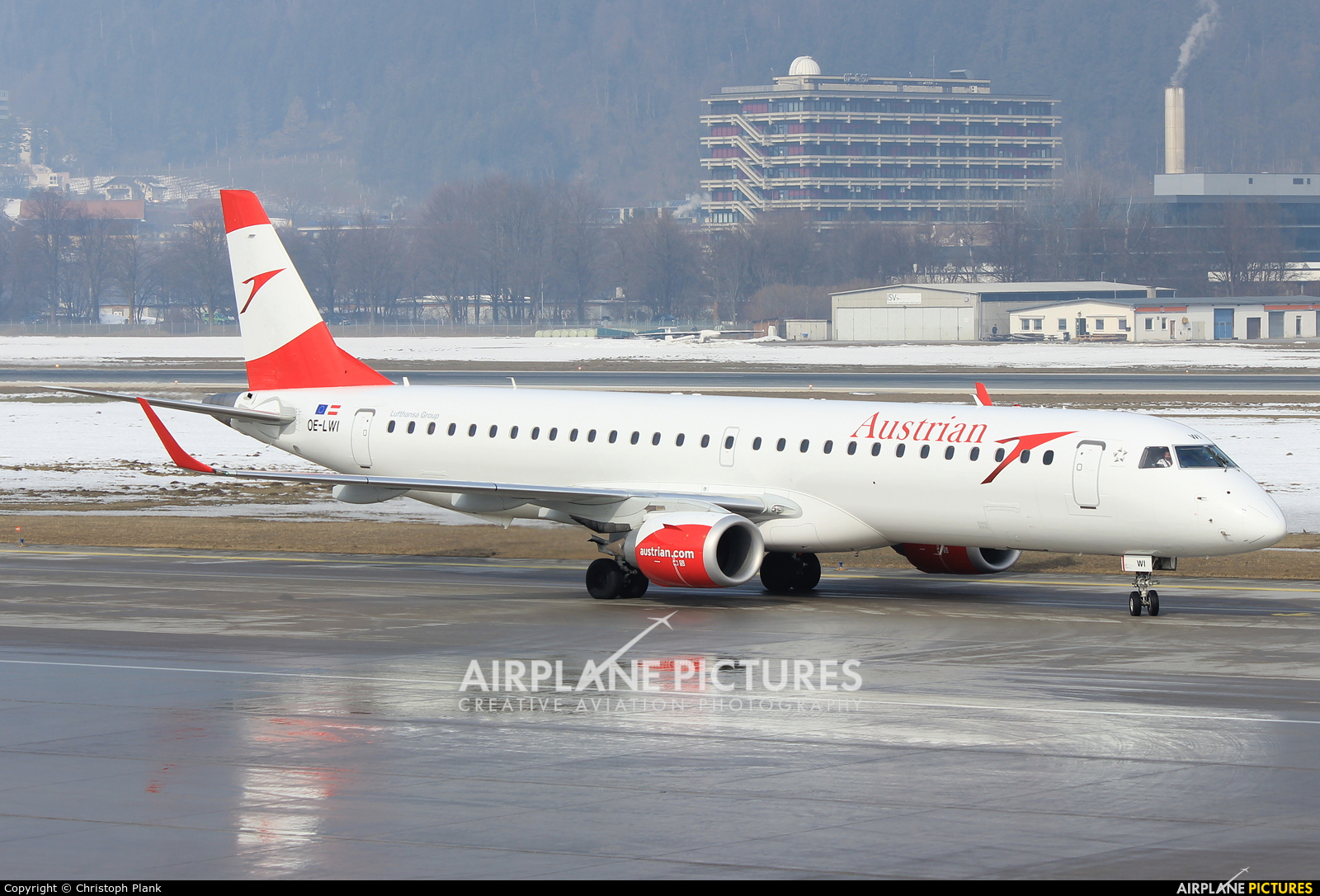 Austrian Airlines/Arrows/Tyrolean OE-LWI aircraft at Innsbruck