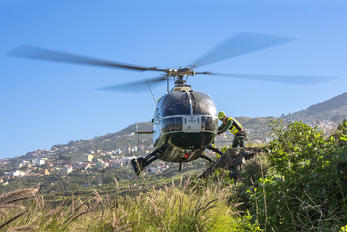 09-120 - Spain - Guardia Civil MBB Bo-105CBS