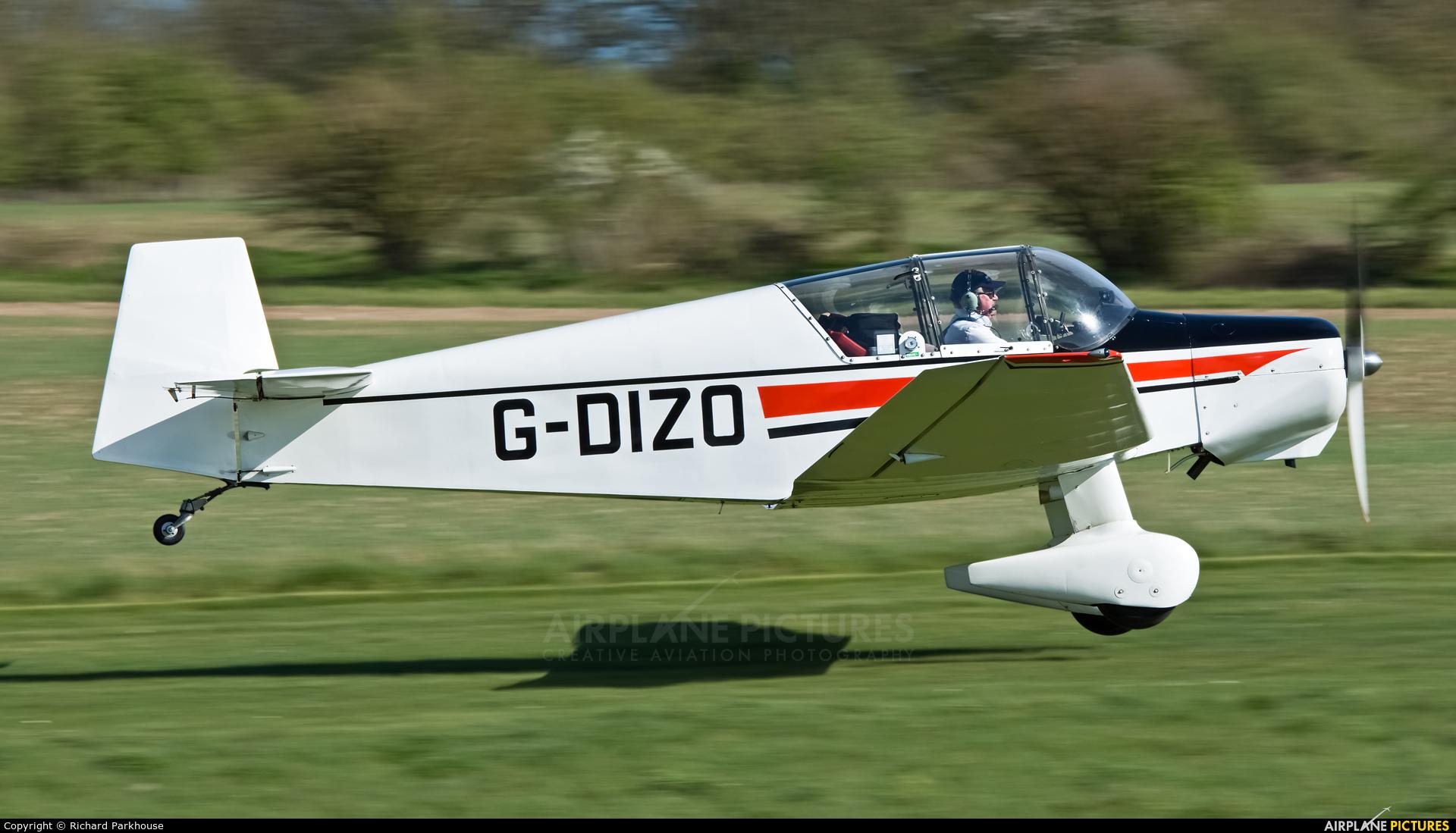 Private G-DIZO aircraft at Popham