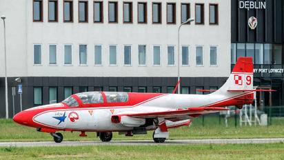 9 - Poland - Air Force: White & Red Iskras PZL TS-11 Iskra