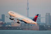 N864DA - Delta Air Lines Boeing 777-200ER aircraft