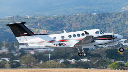TI-BHS - Private Beechcraft 200 King Air