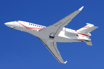 PH-AJX - Private Dassault Falcon 7X