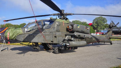 Q18 - Netherlands - Air Force Boeing AH-64D Apache