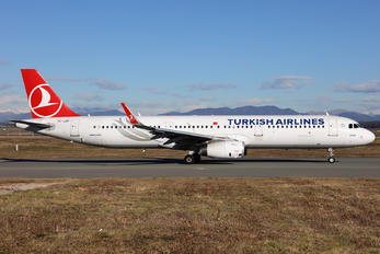TC-JSP - Turkish Airlines Airbus A321