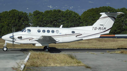 TG-MAM - Private Beechcraft 300 King Air