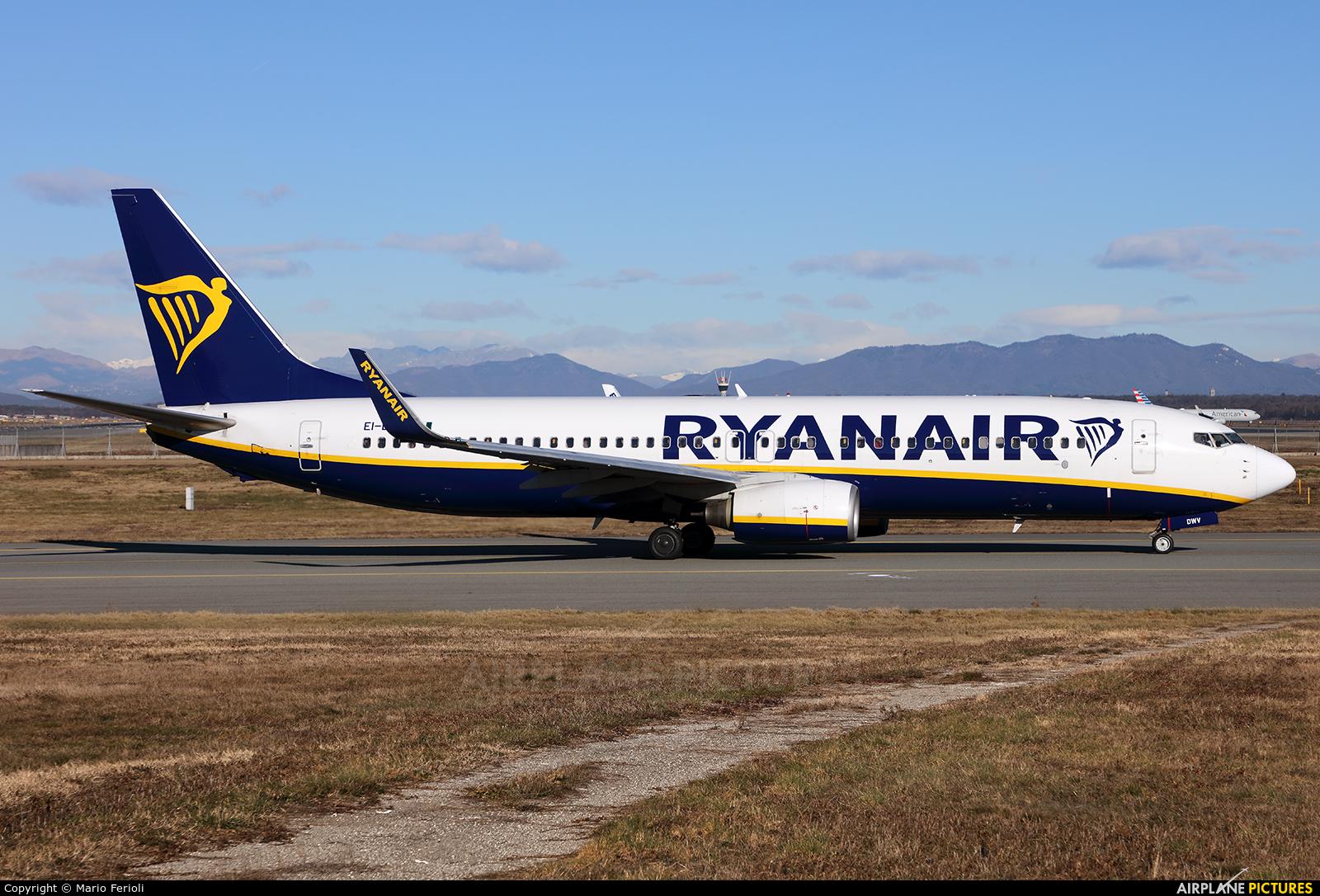 Ryanair EI-DWV aircraft at Milan - Malpensa