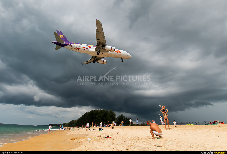 Thai Smile HS-TXD aircraft at Phuket