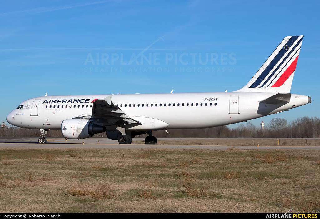 Air France G-GKXZ aircraft at Bologna - Borgo Panigale
