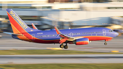 N285WN - Southwest Airlines Boeing 737-700