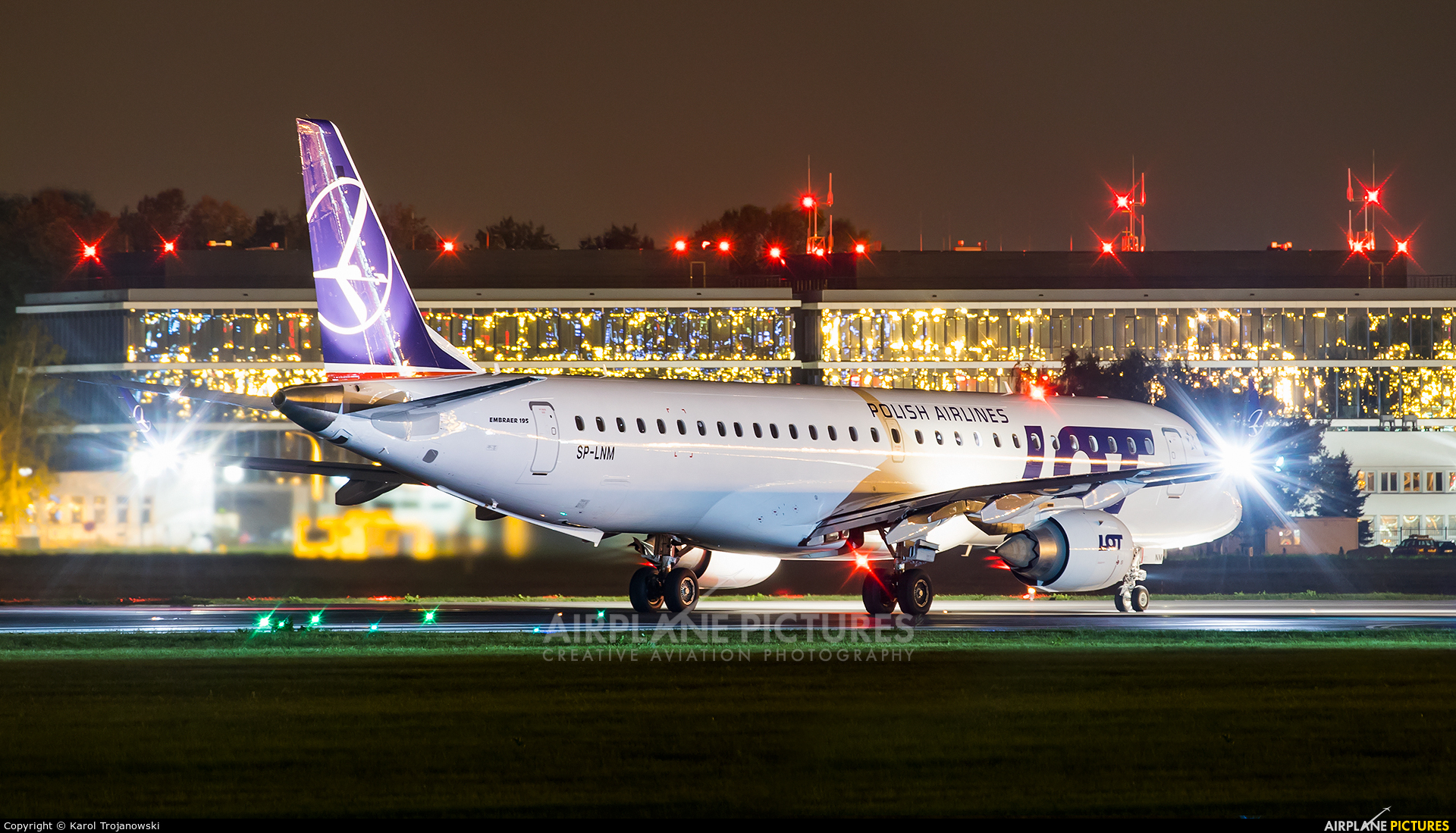 LOT - Polish Airlines SP-LNM aircraft at Warsaw - Frederic Chopin