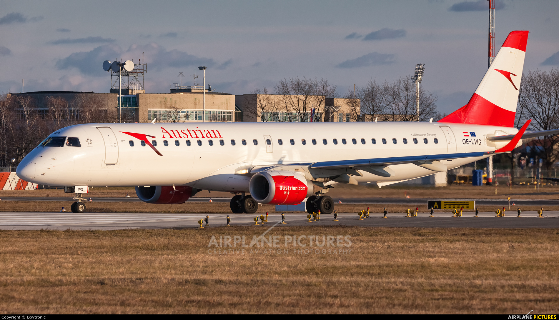 Austrian Airlines/Arrows/Tyrolean OE-LWG aircraft at Zagreb