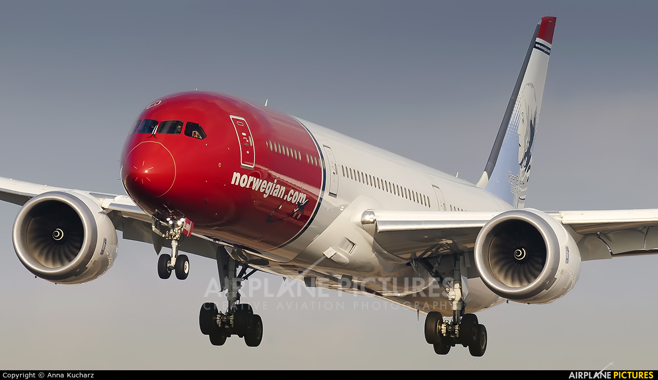 Norwegian Long Haul LN-LNN aircraft at Barcelona - El Prat