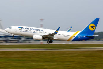 UR-PSW - Ukraine International Airlines Boeing 737-800