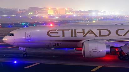 A6-DDA - Etihad Cargo Boeing 777F