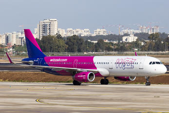 HA-LXA - Wizz Air Airbus A321