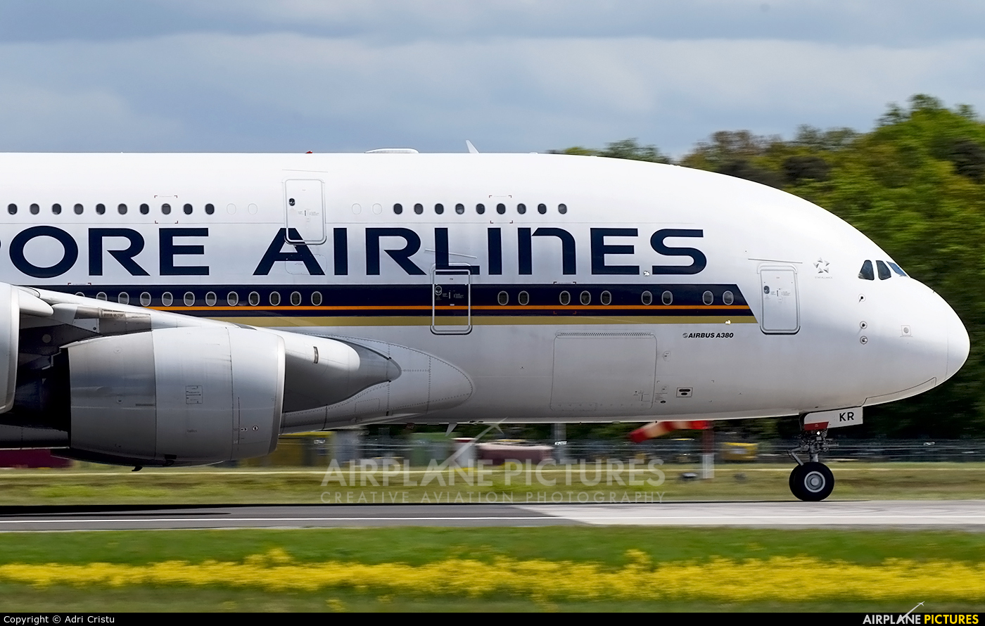 Singapore Airlines 9V-SKR aircraft at Frankfurt
