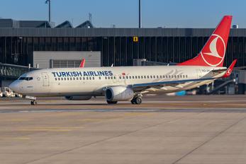 TC-JHU - Turkish Airlines Boeing 737-800