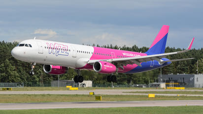 HA-LTC - Wizz Air Airbus A321