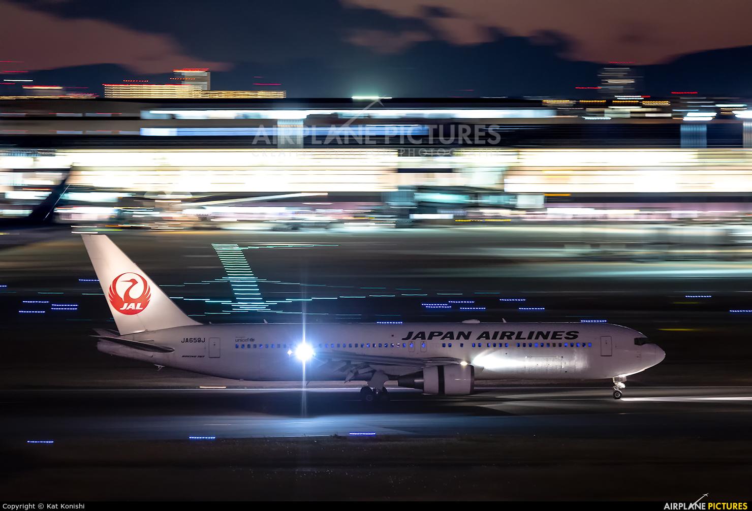 JAL - Japan Airlines JA659J aircraft at Tokyo - Haneda Intl