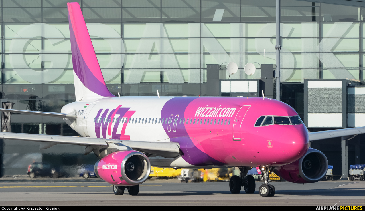 Wizz Air HA-LPN aircraft at Gdańsk - Lech Wałęsa
