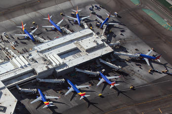 - - Southwest Airlines - Airport Overview - Terminal Building
