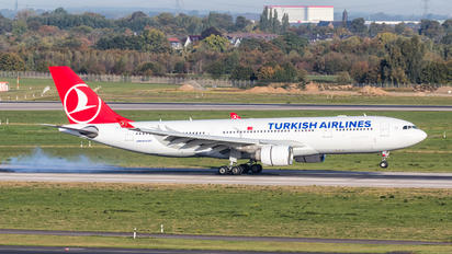 TC-LOI - Turkish Airlines Airbus A330-200