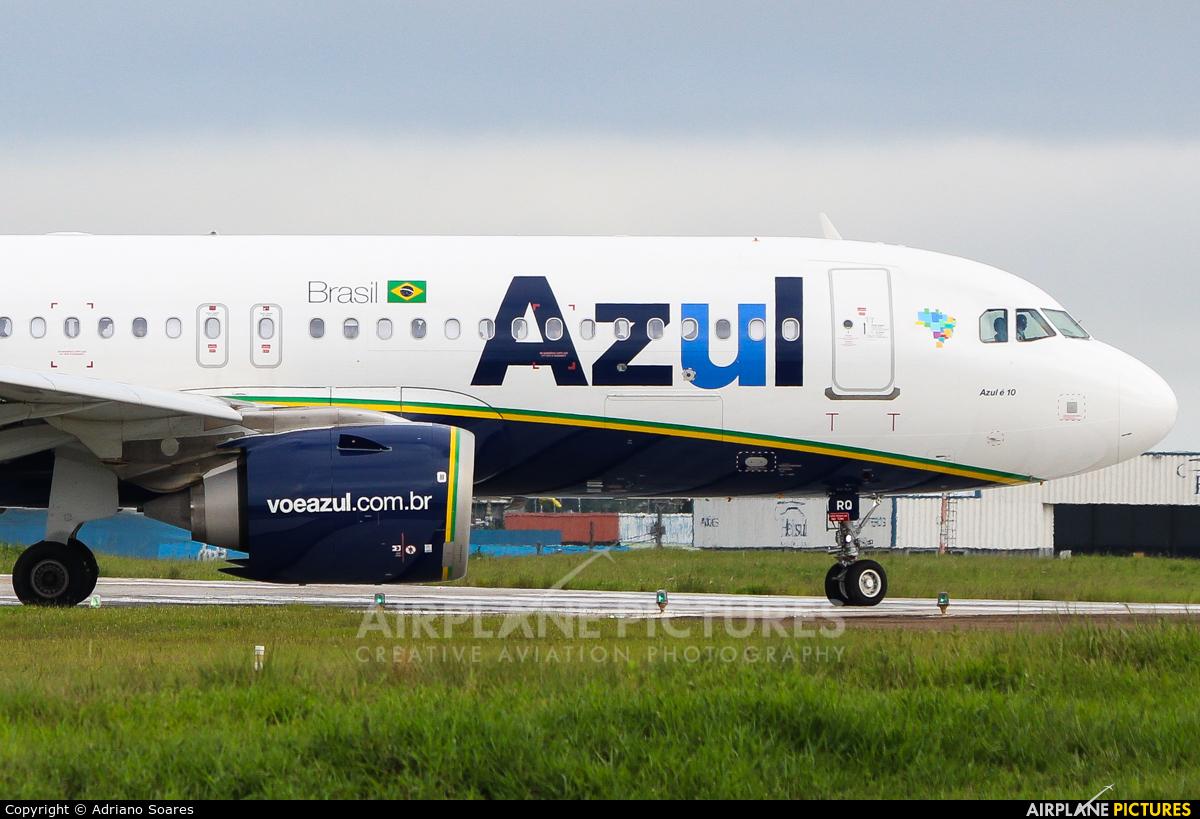 Azul Linhas Aéreas PR-YRQ aircraft at Curitiba -  Afonso Pena