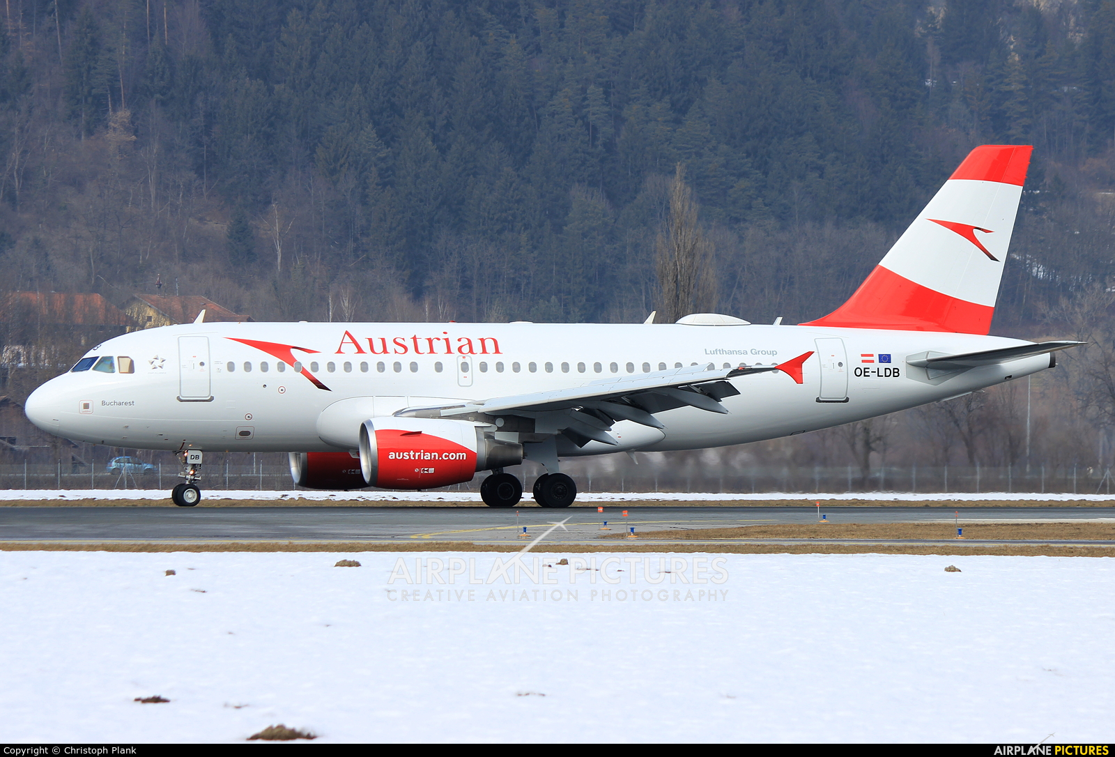 Austrian Airlines/Arrows/Tyrolean OE-LDB aircraft at Innsbruck