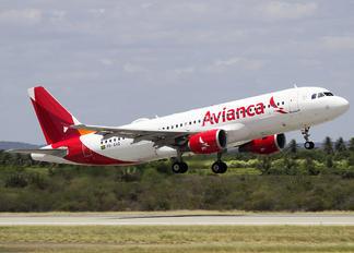 PR-AVQ - Avianca Brasil Airbus A320