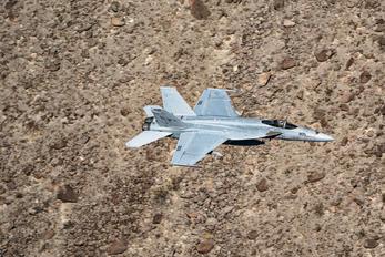 VFA-122-205 - USA - Navy McDonnell Douglas F/A-18A Hornet