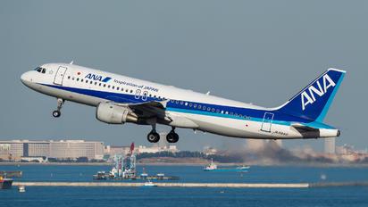 JA8946 - ANA - All Nippon Airways Airbus A320