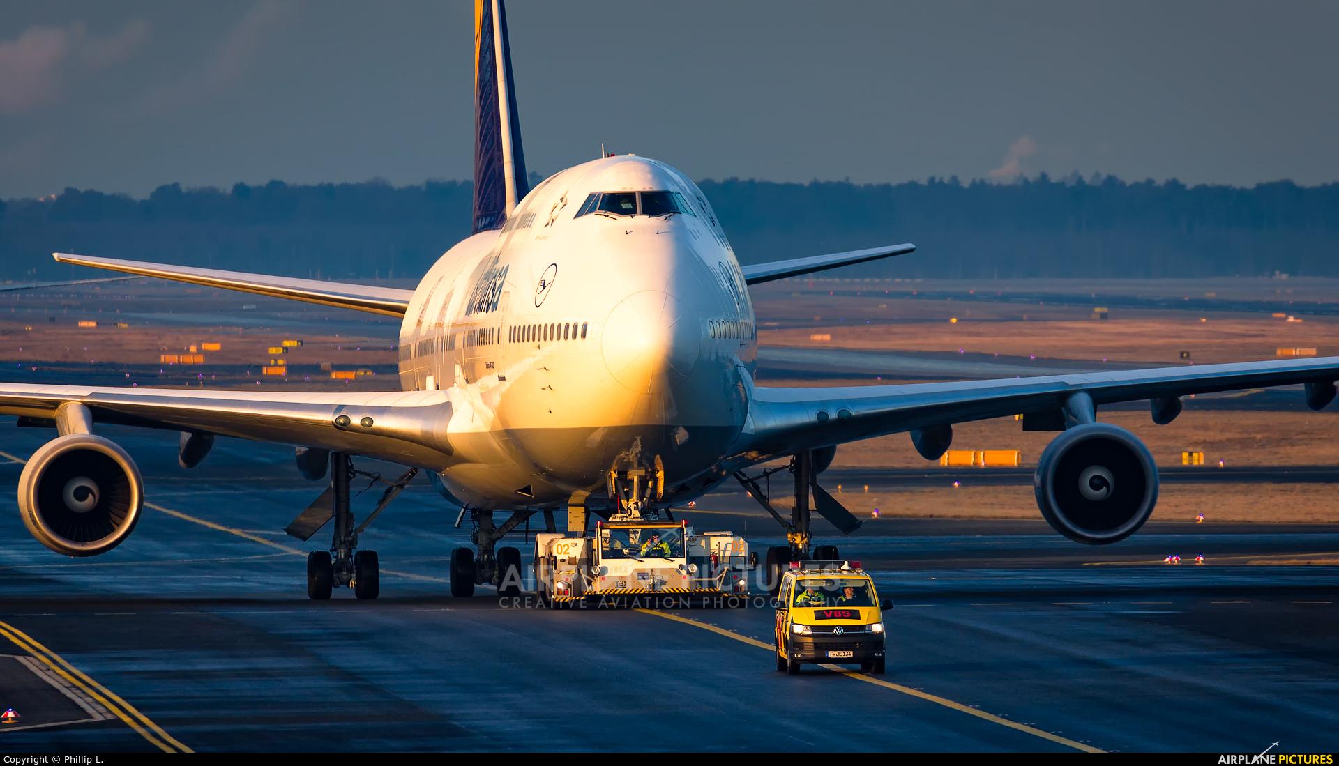 Lufthansa D-ABVR aircraft at Frankfurt