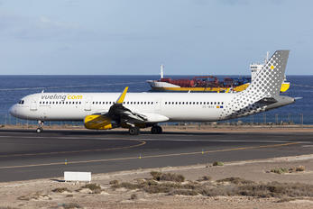 EC-MHA - Vueling Airlines Airbus A321
