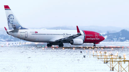 LN-DYN - Norwegian Air Shuttle Boeing 737-800