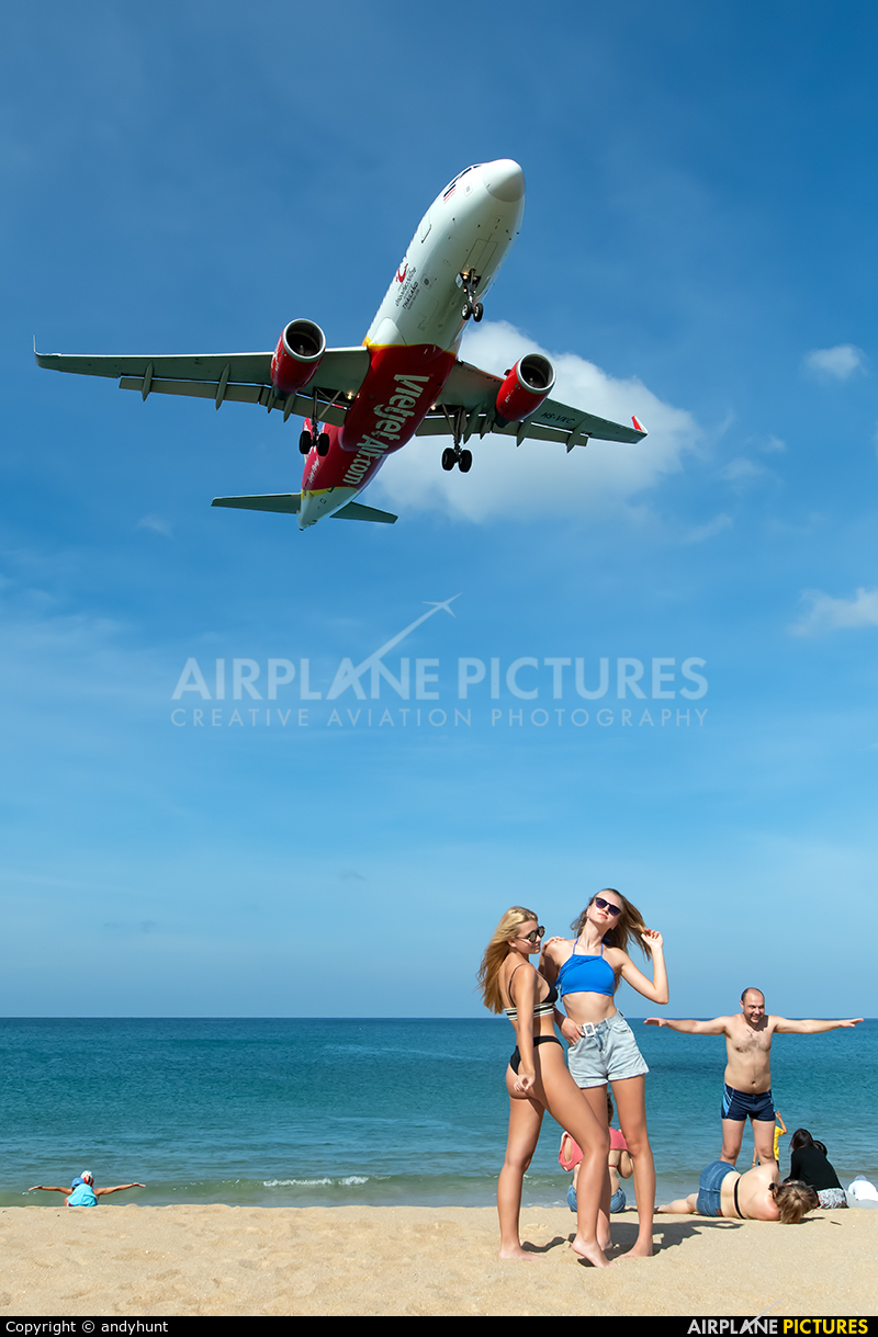 VietJet Air HS-VKC aircraft at Phuket
