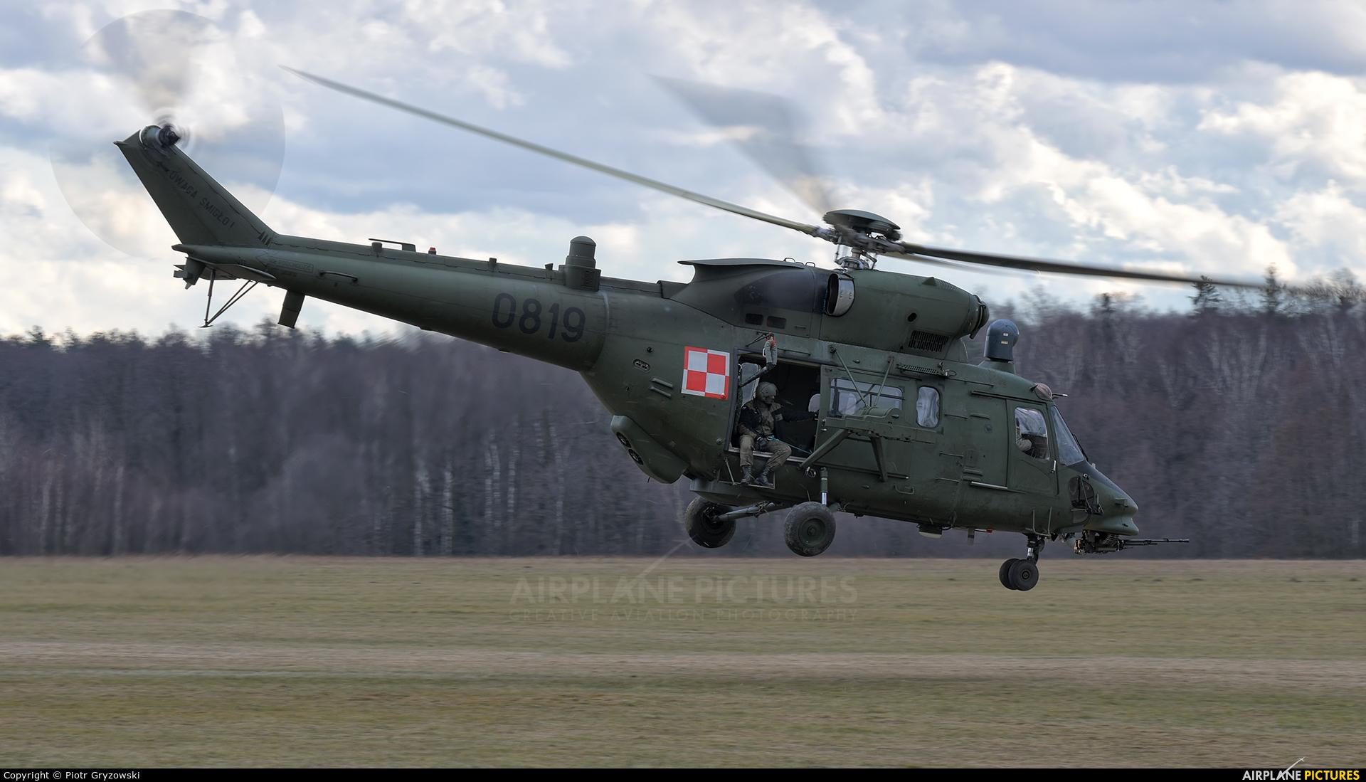 Poland - Army 0819 aircraft at Rybnik - Gotartowice