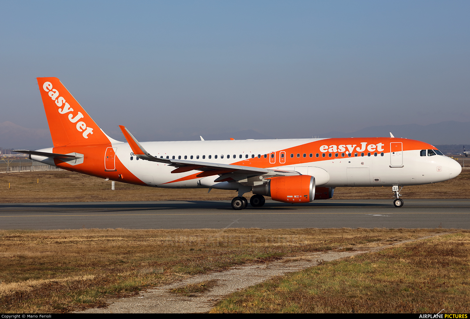 easyJet Europe OE-IZJ aircraft at Milan - Malpensa