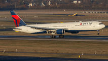 N842MH - Delta Air Lines Boeing 767-400ER aircraft