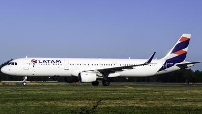CC-BER - LATAM Chile Airbus A321