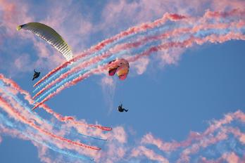 - -  Parachute Parachutist