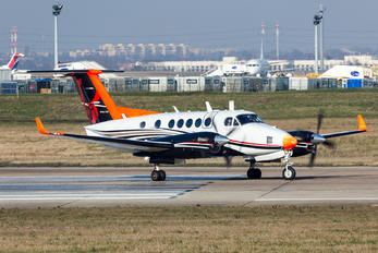F-HNAV - Private Beechcraft 250 King Air