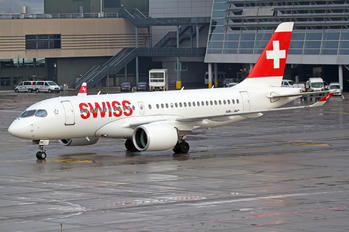 HB-JBC - Swiss Bombardier CS100