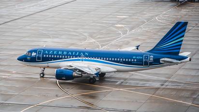 4K-AZ04 - Azerbaijan Airlines Airbus A319
