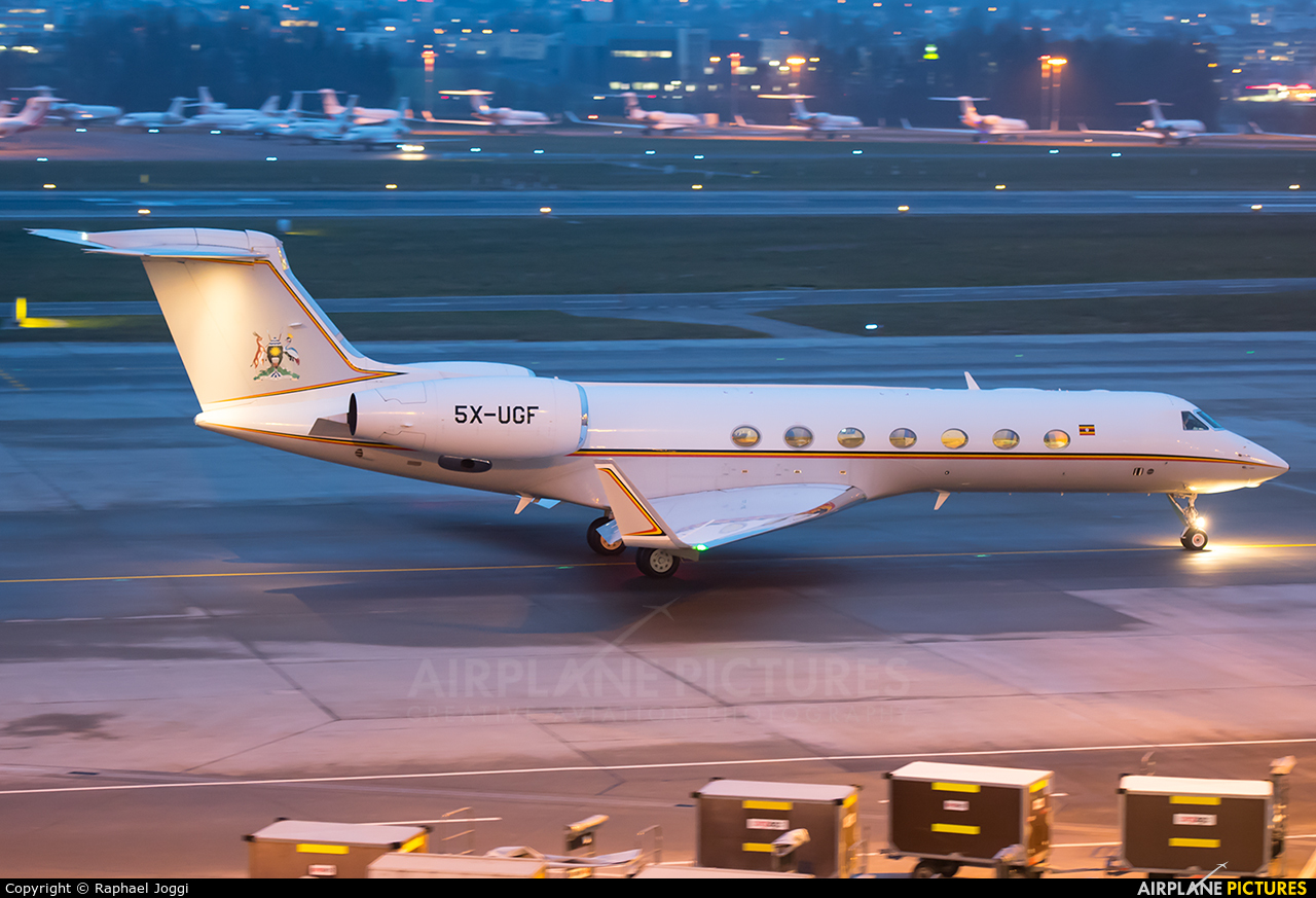 Uganda - Government 5X-UGF aircraft at Zurich
