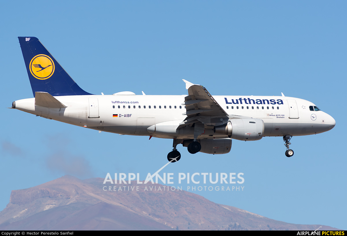 Lufthansa D-AIBF aircraft at Tenerife Sur - Reina Sofia