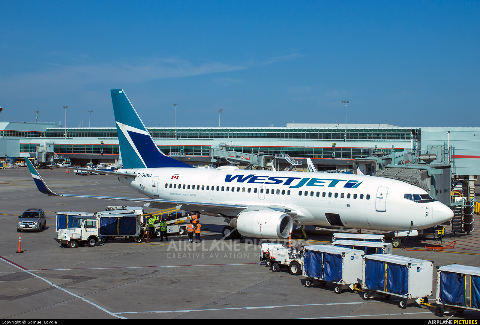WestJet Airlines C-GGWJ aircraft at Toronto - Pearson Intl, ON