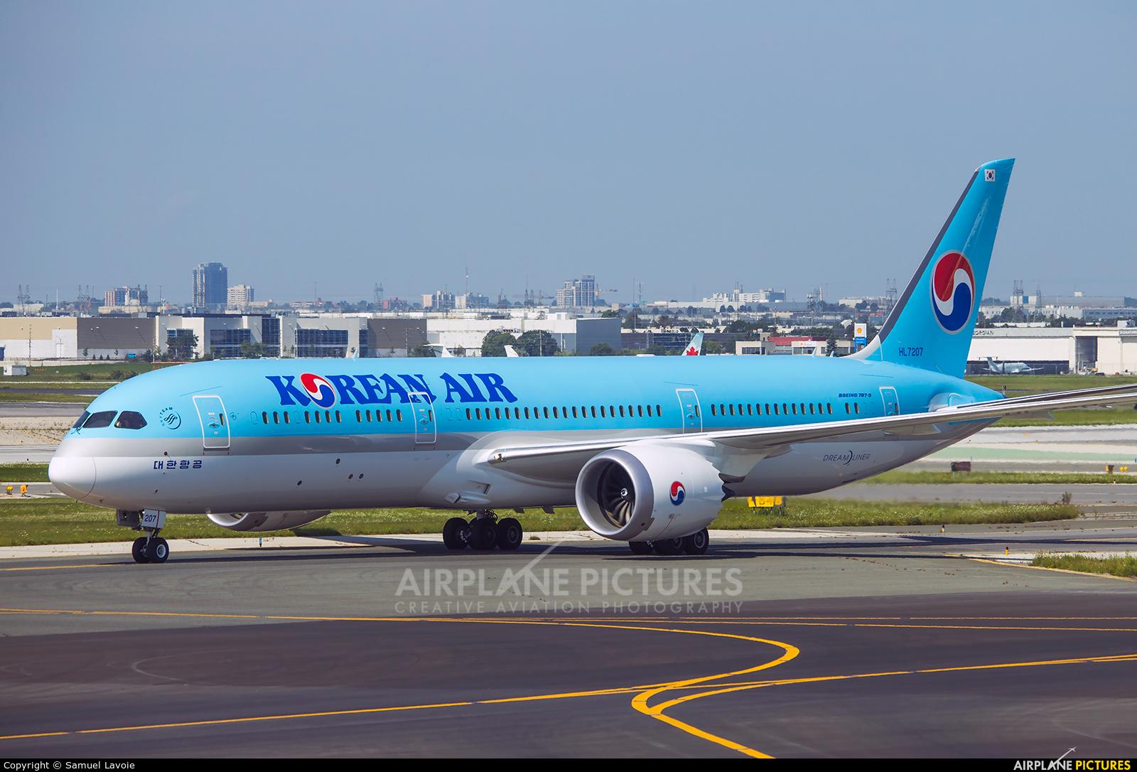 Korean Air HL7207 aircraft at Toronto - Pearson Intl, ON