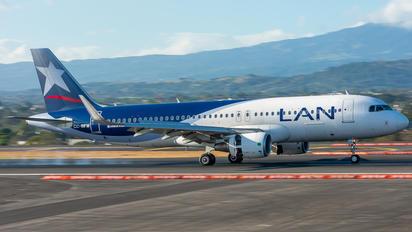 CC-BFW - LAN Airlines Airbus A320